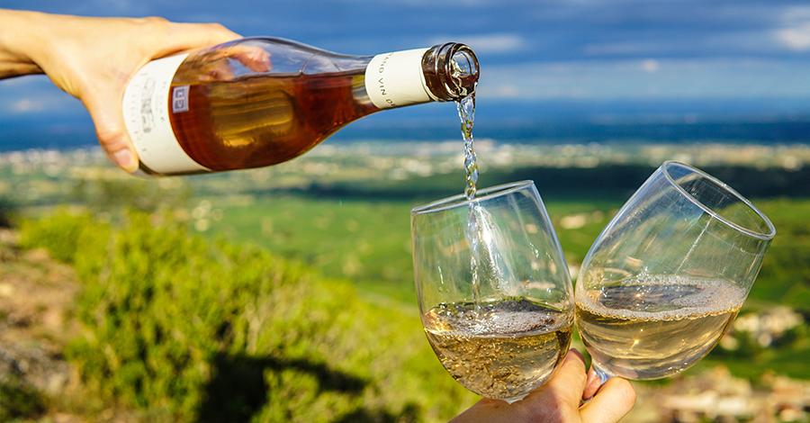 Ako vyčistiť škvrny od rozliateho vína