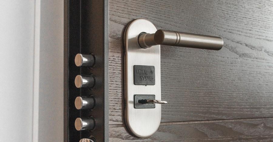 Prečo si treba zaobstarať bezpečnostné dvere?