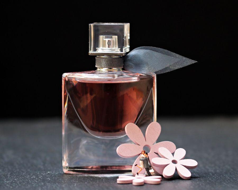 Viete, koľko vám vydrží parfum, parfumovaná alebo toaletná voda?
